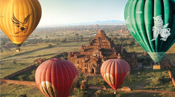 Ballooning in Bagan